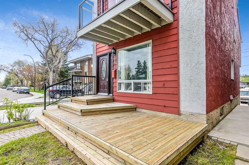 Photo 4: Photos: 2621C 1 Avenue NW in Calgary: West Hillhurst Row/Townhouse for sale : MLS®# A1111551