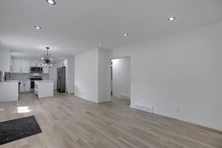 Photo 15: 2445 Elmwood Drive SE in Calgary: Southview Detached for sale : MLS®# A1119973