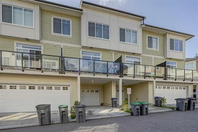Main Photo: : Townhouse for sale : MLS®# R2314594