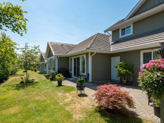 Photo 30: 9 737 Royal Pl in COURTENAY: CV Crown Isle Row/Townhouse for sale (Comox Valley)  : MLS®# 793870
