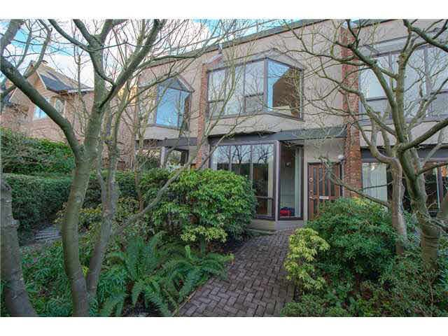 Main Photo: 2770 W 1ST AVENUE in : Kitsilano Townhouse for sale : MLS®# V1049040