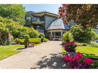 """Photo 26: 304 14950 THRIFT Avenue: White Rock Condo for sale in """"The Monterey"""" (South Surrey White Rock)  : MLS®# R2526137"""