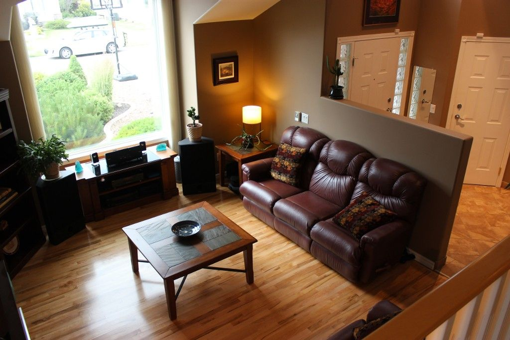 Photo 7: Photos: 3581 Navatanee Drive in Kamloops: Rivershore Estates House for sale : MLS®# 117351
