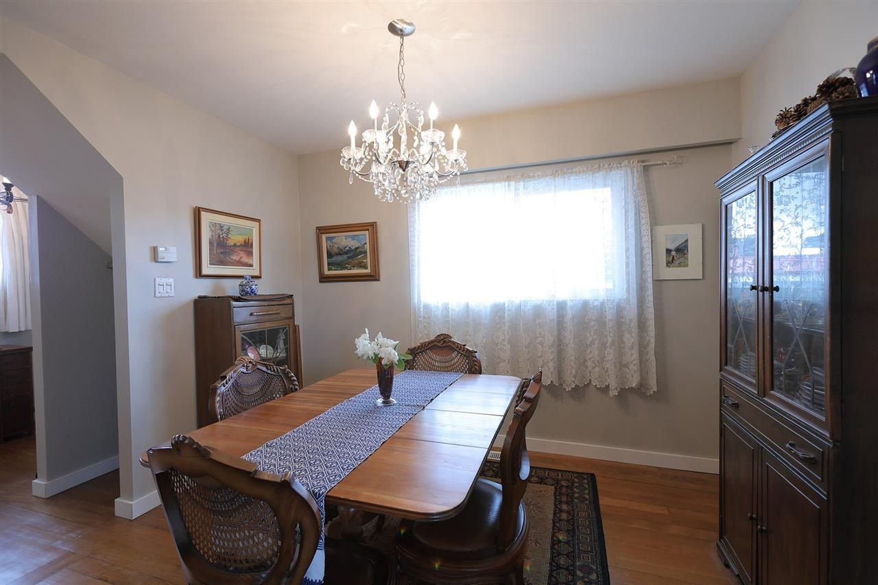 Photo 5: Photos: 1865 E 53RD Avenue in Vancouver: Killarney VE House for sale (Vancouver East)  : MLS®# R2383850