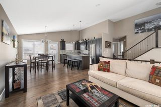 Photo 2: 1015 Hargreaves Manor in Saskatoon: Hampton Village Residential for sale : MLS®# SK848716
