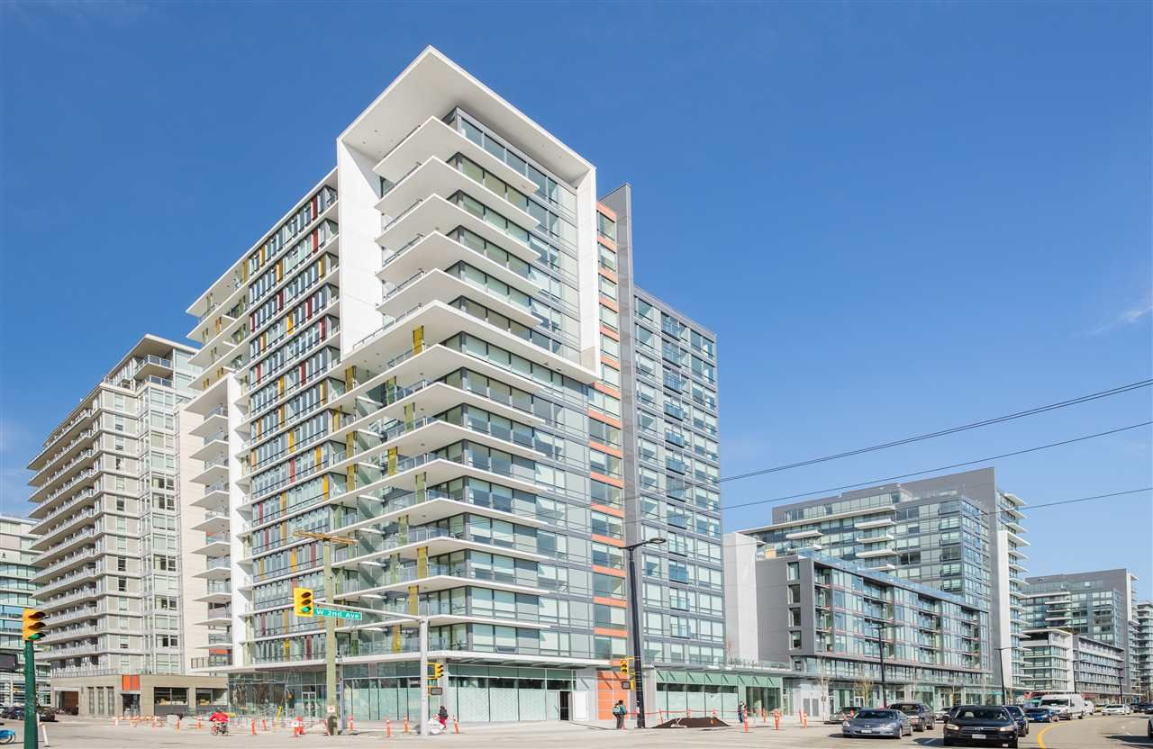 """Main Photo: 1703 1788 COLUMBIA Street in Vancouver: False Creek Condo for sale in """"EPIC AT WEST"""" (Vancouver West)  : MLS®# R2341868"""