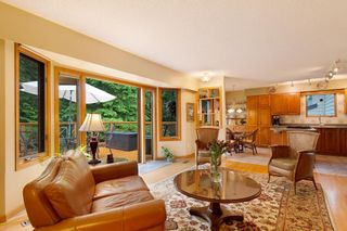 """Photo 3: 3091 HOSKINS Road in North Vancouver: Lynn Valley House for sale in """"Lynn Valley"""" : MLS®# R2465736"""