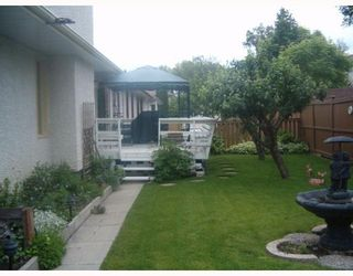 Photo 2: 392 BONNER Avenue in WINNIPEG: North Kildonan Single Family Detached for sale (North East Winnipeg)  : MLS®# 2710330