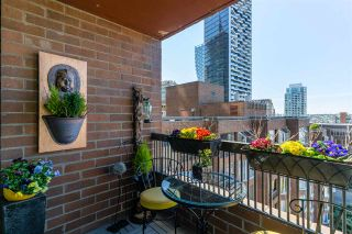 "Photo 1: 915 950 DRAKE Street in Vancouver: Downtown VW Condo for sale in ""ANCHOR POINT"" (Vancouver West)  : MLS®# R2571057"
