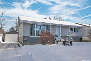 Photo 2: 11 Mathieu Crescent in Regina: Coronation Park Residential for sale : MLS®# SK840069