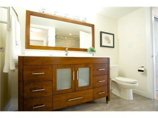 """Photo 7: 3211 33 CHESTERFIELD Place in North Vancouver: Lower Lonsdale Condo for sale in """"HARBOURVIEW PARK"""" : MLS®# V1109655"""