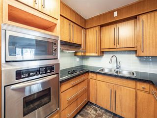 Photo 6: 17 Melville Place SW in Calgary: Mayfair Detached for sale : MLS®# A1083727