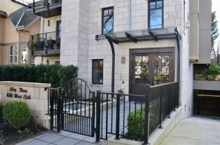 """Photo 1: 200 656 W 13TH Avenue in Vancouver: Fairview VW Condo for sale in """"CHEZ NOUS"""" (Vancouver West)  : MLS®# R2433312"""