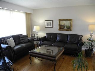 Photo 2: 291 Marshall Bay in Winnipeg: West Fort Garry Residential for sale (1Jw)  : MLS®# 1811853