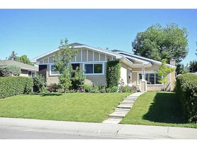 Main Photo: 316 CEDARILLE Crescent SW in CALGARY: Cedarbrae Residential Detached Single Family for sale (Calgary)  : MLS®# C3577286