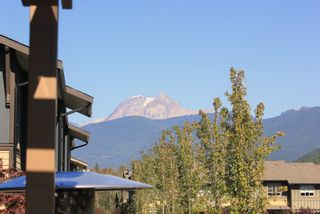 """Photo 3: 38332 EAGLEWIND Boulevard in Squamish: Downtown SQ Townhouse for sale in """"Eaglewind"""" : MLS®# R2005164"""