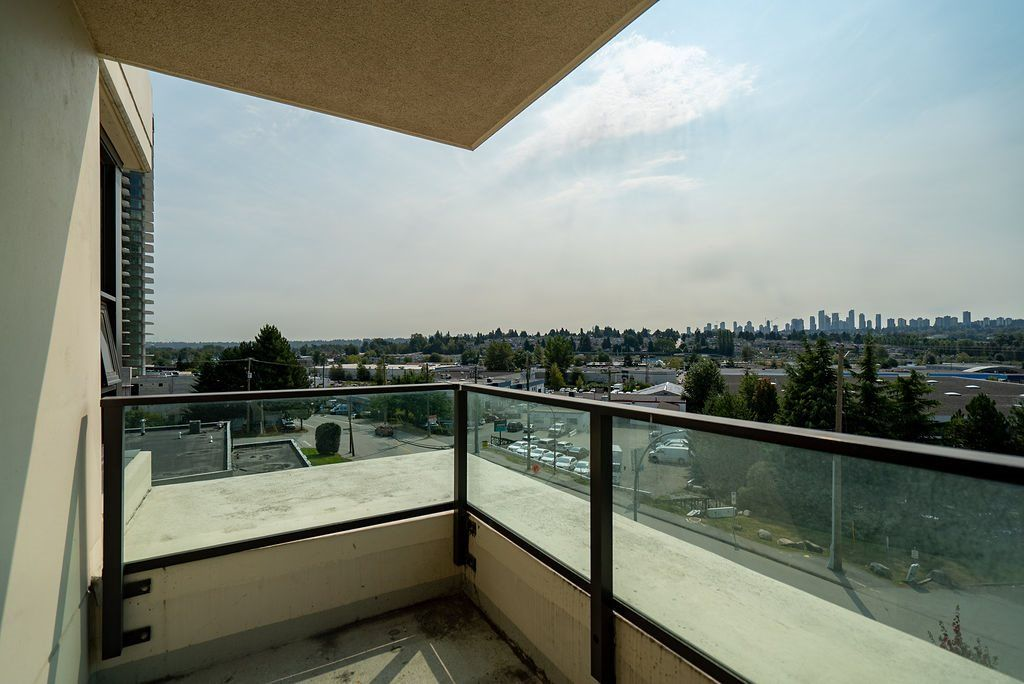 Photo 20: Photos: 402 2232 DOUGLAS ROAD in Burnaby: Brentwood Park Condo for sale (Burnaby North)  : MLS®# R2495564
