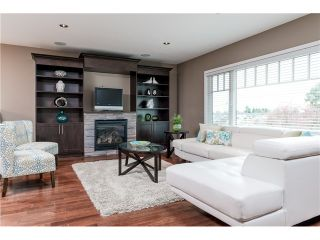 Photo 2: 4615 NAPIER ST in Burnaby: Brentwood Park House for sale (Burnaby North)  : MLS®# V1112364
