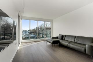 "Photo 3: 304 1819 W 5TH Avenue in Vancouver: Kitsilano Condo for sale in ""WEST FIVE"" (Vancouver West)  : MLS®# R2575483"