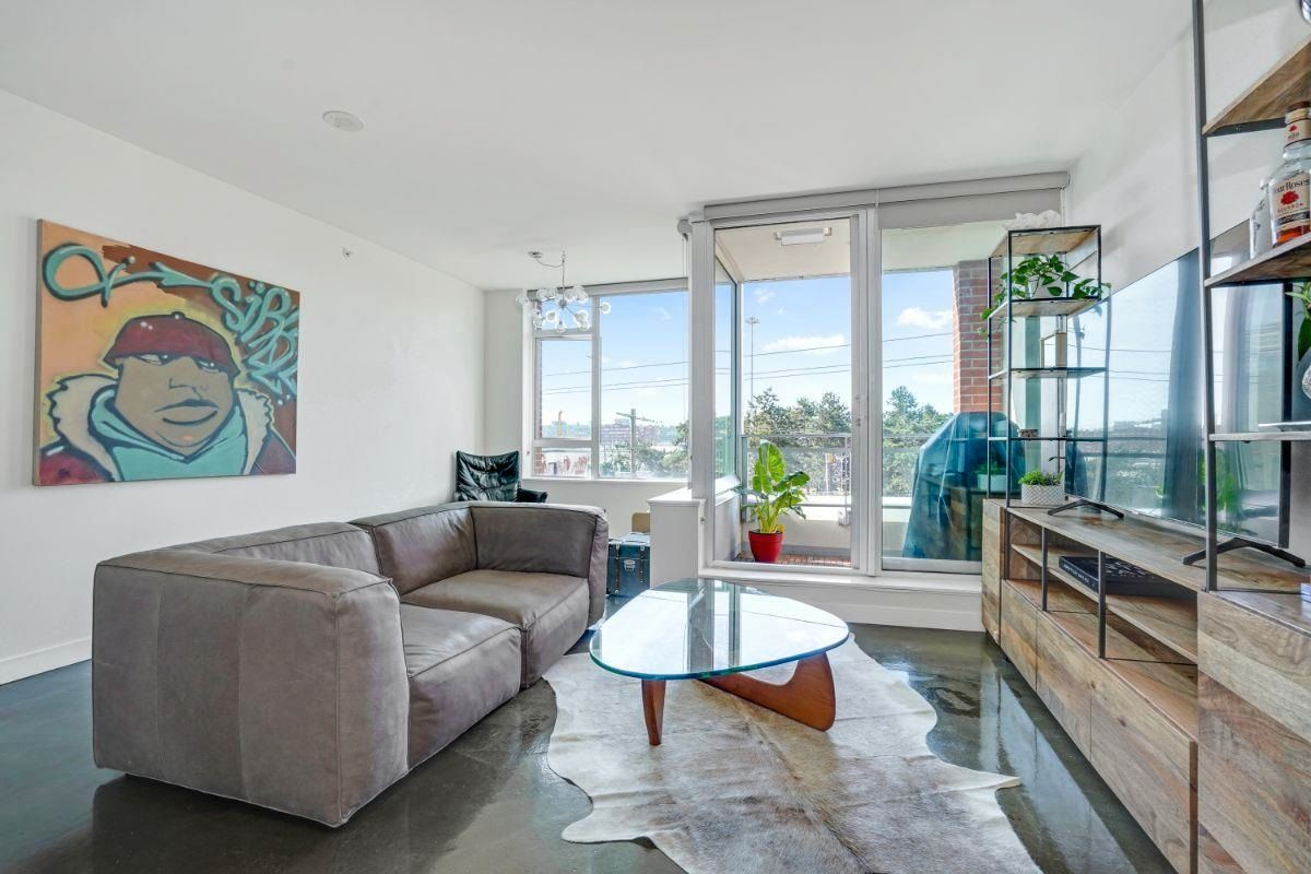 """Main Photo: 415 221 UNION Street in Vancouver: Strathcona Condo for sale in """"V6A/STRATHCONA"""" (Vancouver East)  : MLS®# R2615593"""