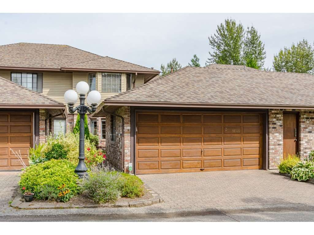 """Main Photo: 2 1640 148 Street in Surrey: Sunnyside Park Surrey Townhouse for sale in """"ENGLESEA COURT"""" (South Surrey White Rock)  : MLS®# R2486091"""
