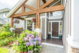 """Photo 3: 24773 MCCLURE Drive in Maple Ridge: Albion House for sale in """"UPLANDS"""" : MLS®# R2093807"""