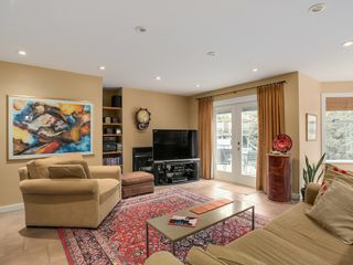 Photo 4: 13258 19A Avenue in South Surrey B.C.: Home for sale : MLS®# R2035993