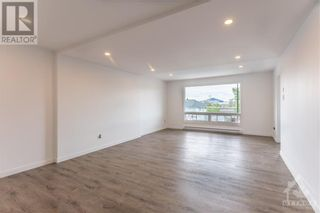 Photo 4: 259 LONGUEUIL STREET in L'Orignal: House for rent : MLS®# 1262145