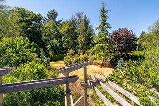 Photo 15: 6369 Eagles Dr in : CV Courtenay North House for sale (Comox Valley)  : MLS®# 884175