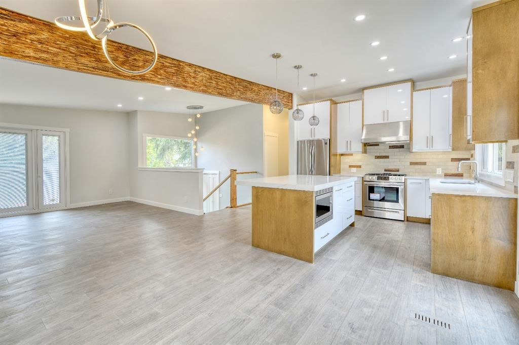 Photo 7: Photos: 12019 Canaveral Road SW in Calgary: Canyon Meadows Detached for sale : MLS®# A1126440