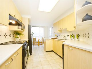 """Photo 7: 706 1575 W 10TH Avenue in Vancouver: Fairview VW Condo for sale in """"THE TRITON"""" (Vancouver West)  : MLS®# V1020833"""
