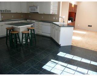 Photo 2: 9937 WESCAN Road in Halfmoon_Bay: Halfmn Bay Secret Cv Redroofs House for sale (Sunshine Coast)  : MLS®# V665040