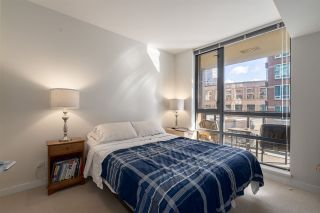 """Photo 11: 905 788 RICHARDS Street in Vancouver: Downtown VW Condo for sale in """"L'Hermitage"""" (Vancouver West)  : MLS®# R2458988"""