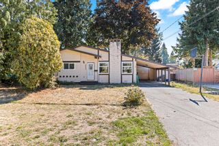 """Photo 2: 20572 43 Avenue in Langley: Brookswood Langley House for sale in """"BROOKSWOOD"""" : MLS®# R2624418"""