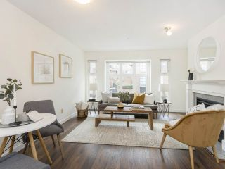 """Photo 4: 735 W 7TH Avenue in Vancouver: Fairview VW Townhouse for sale in """"The Fountains"""" (Vancouver West)  : MLS®# R2544086"""