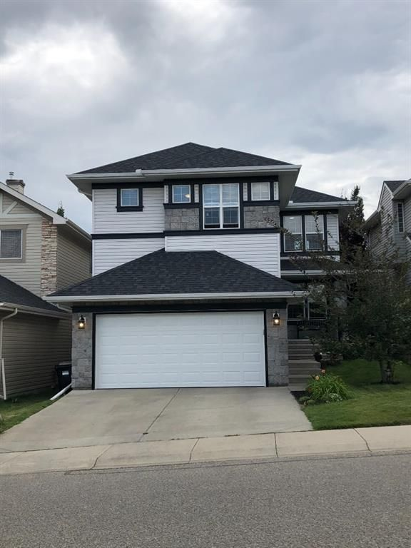 Brand new garage door and roof completed August 2021