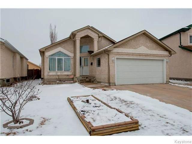 Main Photo: 31 Blackwood Bay in Winnipeg: Fort Garry / Whyte Ridge / St Norbert Residential for sale (South Winnipeg)  : MLS®# 1607639