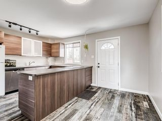 Photo 12: 380 2211 19 Street NE in Calgary: Vista Heights Row/Townhouse for sale : MLS®# A1101088