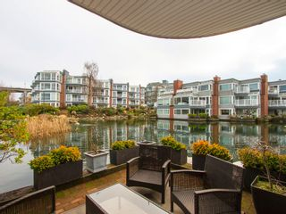 """Photo 1: 1592 ISLAND PARK Walk in Vancouver: False Creek Townhouse for sale in """"LAGOONS"""" (Vancouver West)  : MLS®# V1099043"""