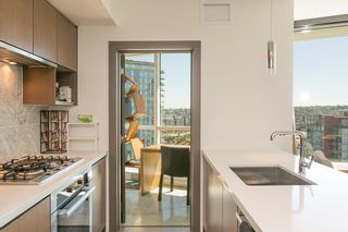 Photo 4: 1809 68 SMITHE STREET in Vancouver: Downtown VW Condo for sale (Vancouver West)  : MLS®# R2201355