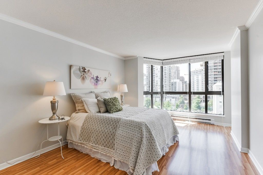 """Main Photo: 906 488 HELMCKEN Street in Vancouver: Yaletown Condo for sale in """"Robinson Tower"""" (Vancouver West)  : MLS®# R2086319"""