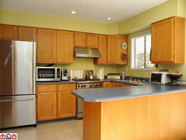 """Photo 5: Photos: 11054 BRIDLINGTON Drive in Delta: Nordel House for sale in """"ROYAL YORK"""" (N. Delta)  : MLS®# F1222010"""