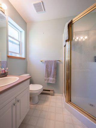 "Photo 12: 5072 BAY Road in Sechelt: Sechelt District House for sale in ""Davis Bay"" (Sunshine Coast)  : MLS®# R2321303"