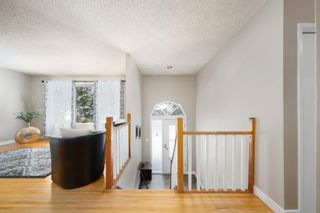 Photo 2: 4820 49 Avenue NW in Calgary: Varsity Detached for sale : MLS®# A1084125