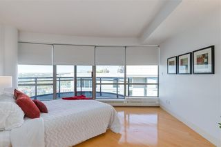 Photo 12: 2504 1078 6 Avenue SW in Calgary: Downtown West End Apartment for sale : MLS®# C4264239