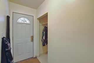 Photo 3: 2335 53 Avenue SW in Calgary: North Glenmore Park Detached for sale : MLS®# A1083978