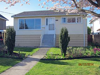 Photo 1: 7645 16TH Avenue in Burnaby: Edmonds BE House for sale (Burnaby East)  : MLS®# V1066735