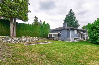 Photo 4: 687 LINTON Street in Coquitlam: Central Coquitlam House for sale : MLS®# R2474802