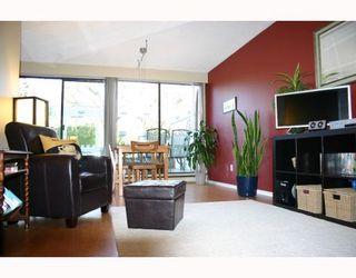 "Photo 1: 82 10200 4TH Avenue in Richmond: Steveston North Townhouse for sale in ""MANOAH VILLAGE"" : MLS®# V692668"