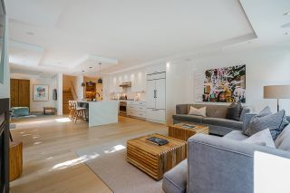"""Photo 2: 403 BEACH Crescent in Vancouver: Yaletown Townhouse for sale in """"WATERFORD"""" (Vancouver West)  : MLS®# R2611200"""